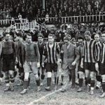 Barca now in blue shorts and blue socks in 1927