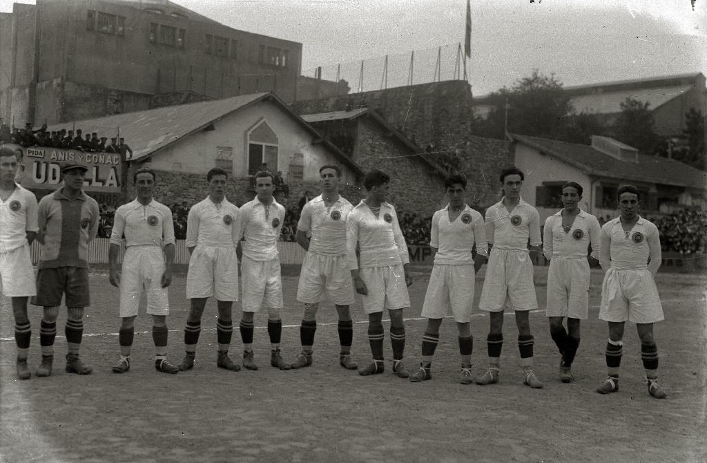 Real_Madrid_Kit_History_07