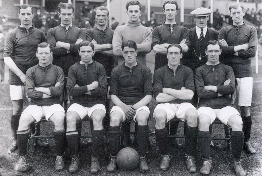 Liverpool_Kit_History_04